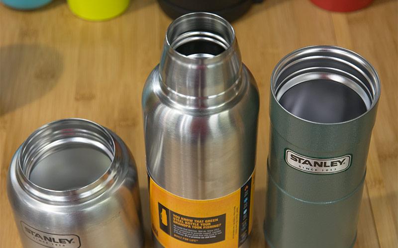 Термосы и термостакан Stanley с различным диаметром горловины