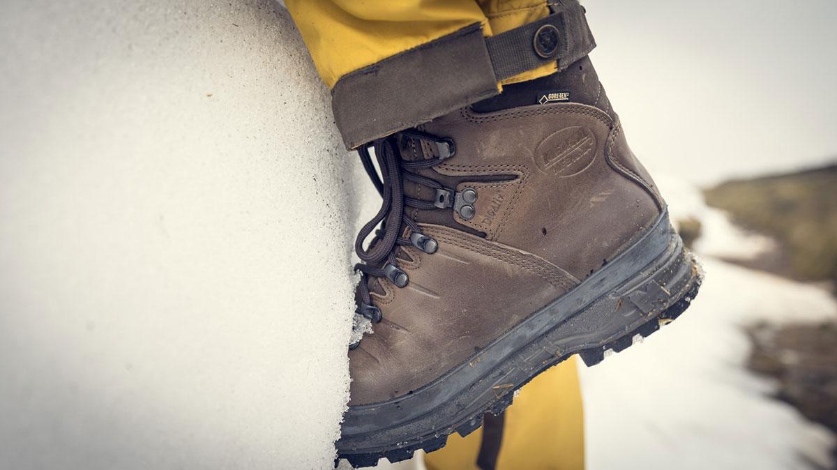 Треккинговые ботинки: классификация и правила выбора