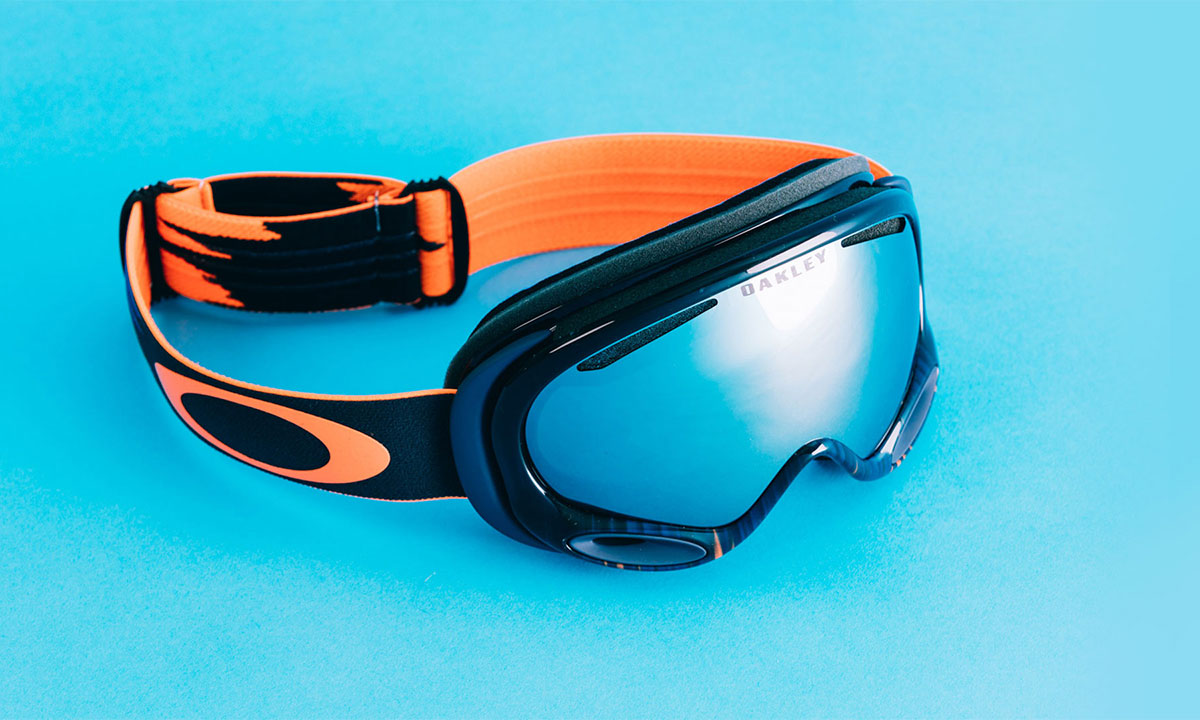 Сноубордист Stale Sandbech в маске Oakley Flight Deck Prism Rose