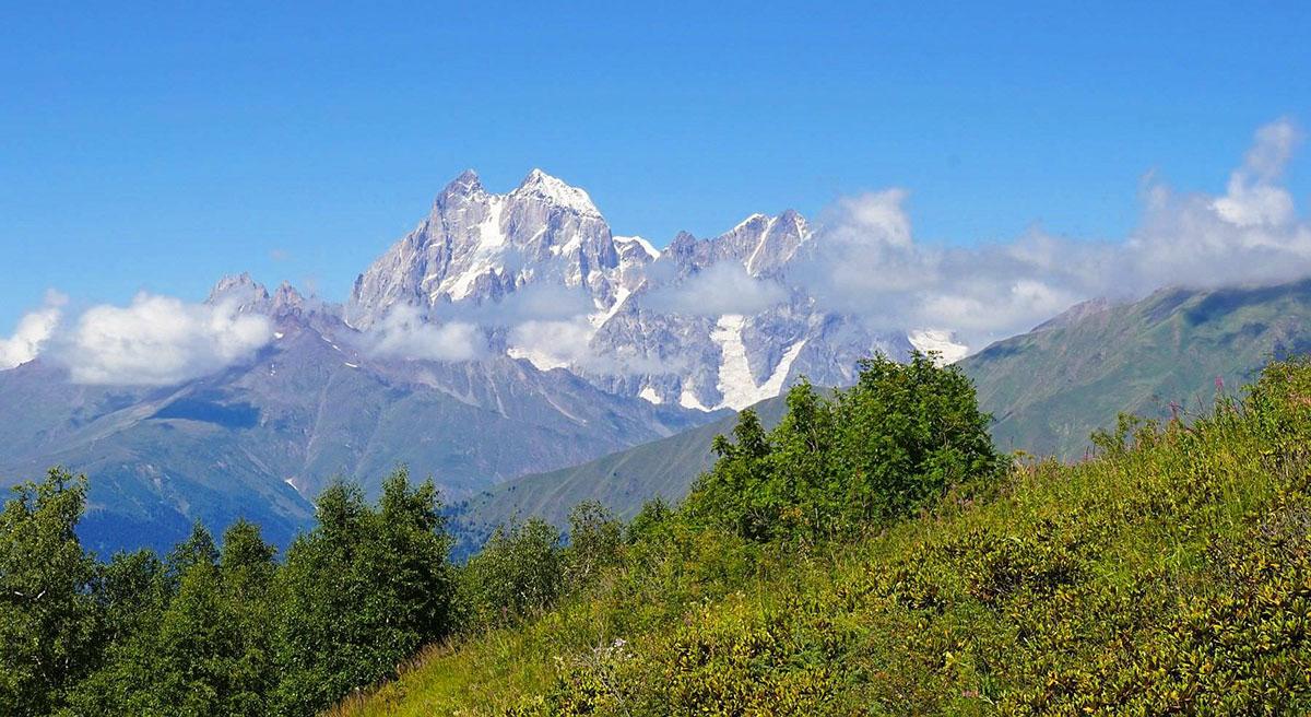 Ушба © caucasus-trekking.com