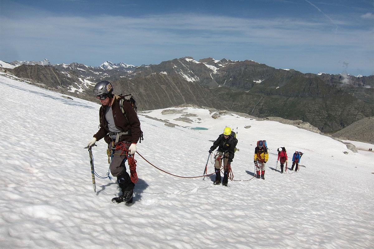 клуб альпинистов в москве