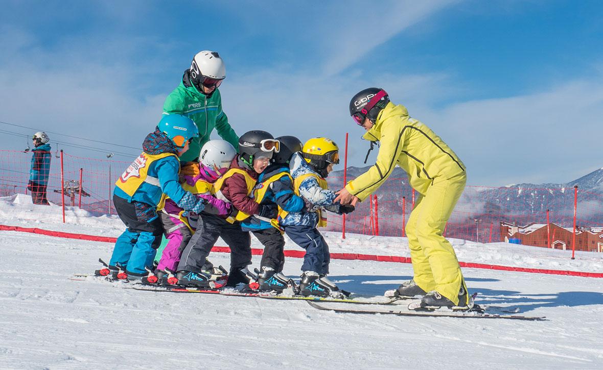 «Горные лыжи — это игра!» О детской горнолыжной школе Riders School — Блог « Спорт-Марафон» 52122706ddb