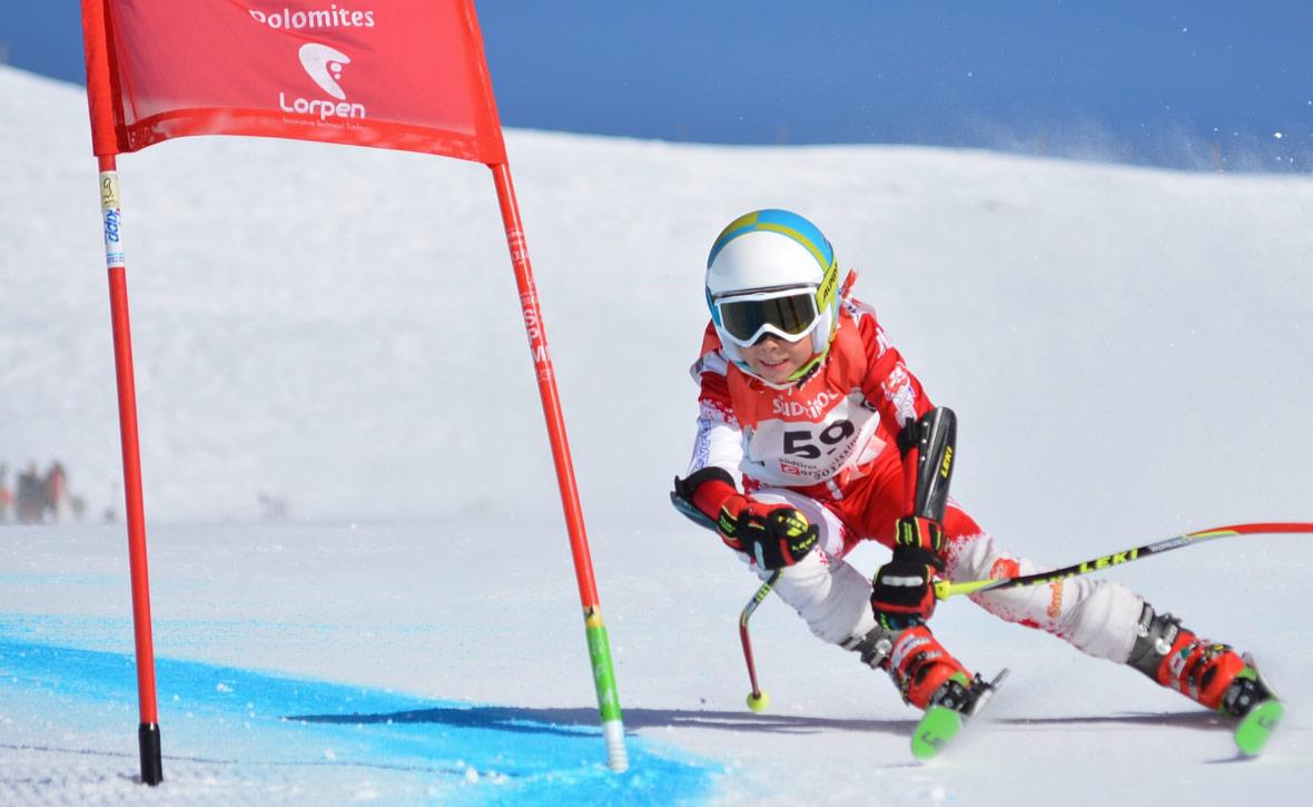 О детских горнолыжных школах. Чего ждать родителям будущих спортсменов —  Блог «Спорт-Марафон» 423836c08bd