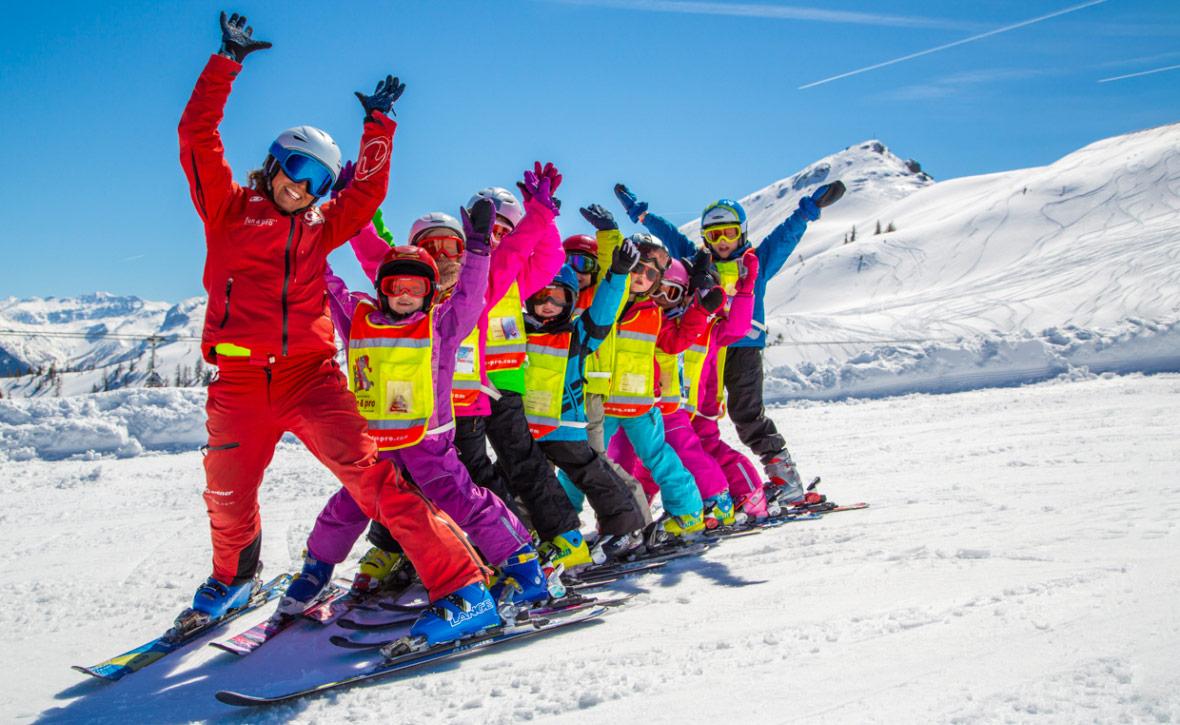 В каком возрасте ставить ребёнка на горные лыжи — Блог «Спорт-Марафон» da87ef06749